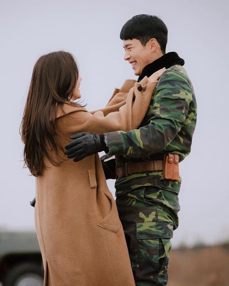 Hé lộ hậu trường tình tứ cặp đôi Hyun Bin - Son Ye Jin trong Hạ cánh nơi anh-6