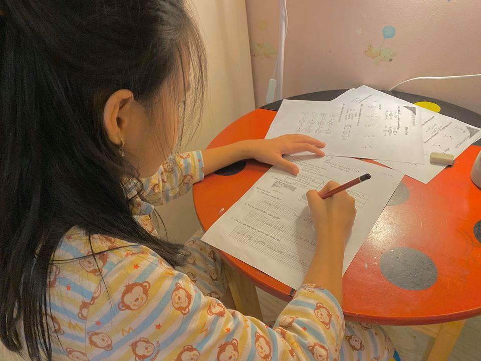 Hết chê bai chuyện ăn mặc, con gái Thủy Tiên lại gây sốt khi lý sự với mẹ ngày Valentine-2