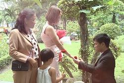 Trai trẻ quyết bay từ nước ngoài về cưới mẹ đơn thân Huế vì nghe tiếng lạ qua điện thoại