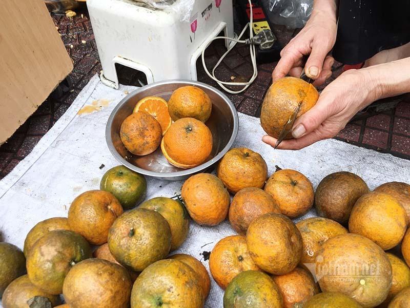 Ngày vắt 5 tạ cam, dân vỉa hè kiếm tiền triệu mùa dịch Covid-19-3
