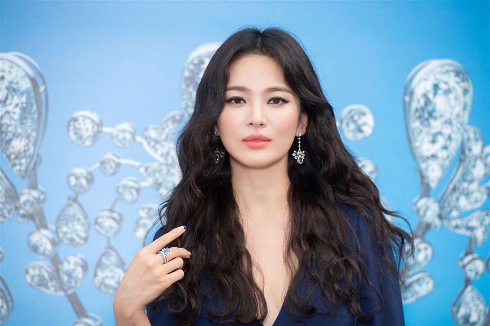 Trùm cuối tóc bà thím nhất định phải thuộc về Song Hye Kyo: Đẹp đỉnh thế này ai cưỡng lại!-15