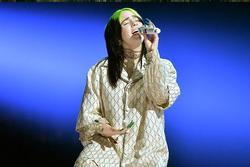 Billie Eilish gọi màn trình diễn của mình tại Oscar là 'rác rưởi'