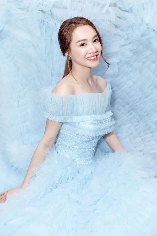 Hơn Hoa hậu Lương Thùy Linh 10 tuổi, Nhã Phương vẫn đẹp lấn át khi đụng hàng-5