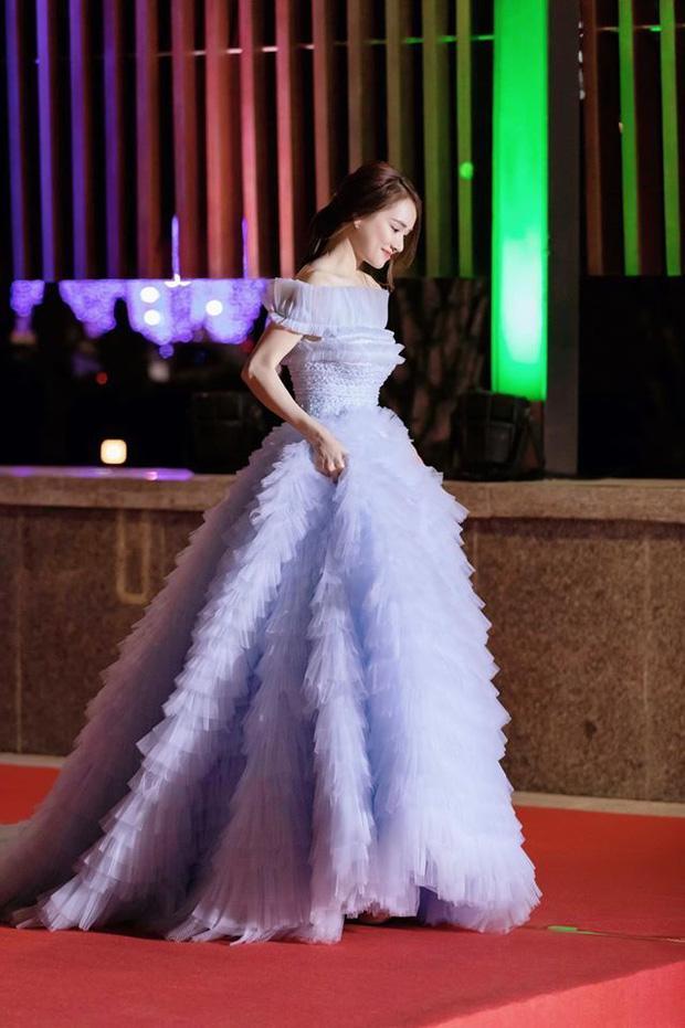 Hơn Hoa hậu Lương Thùy Linh 10 tuổi, Nhã Phương vẫn đẹp lấn át khi đụng hàng-7