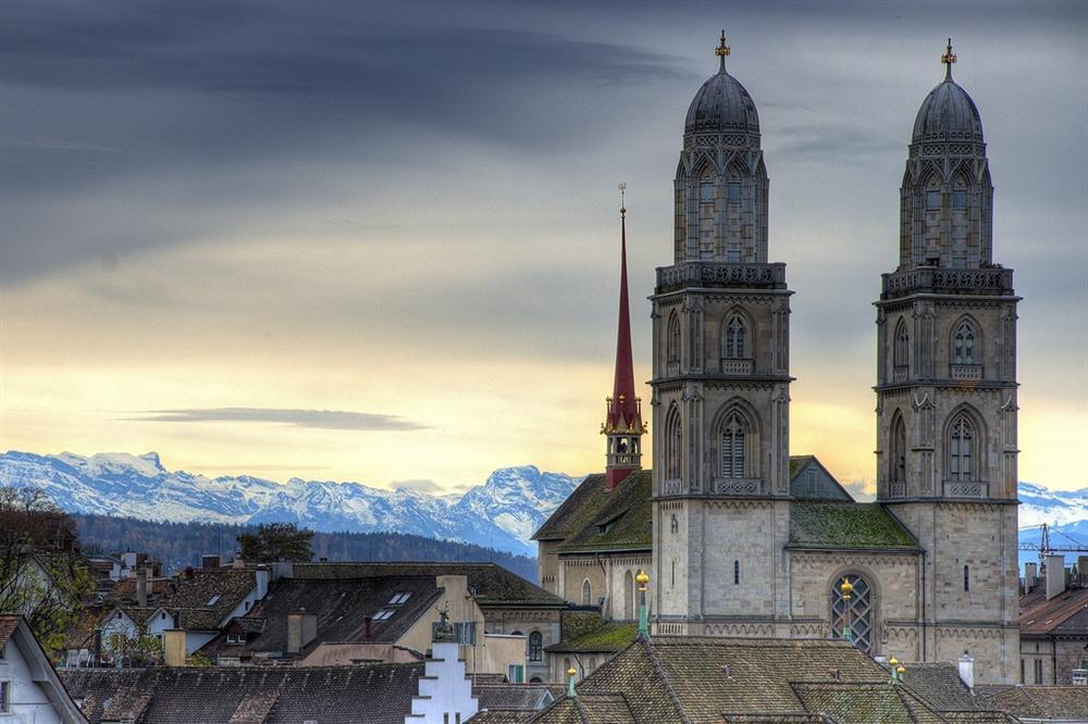 Những cảnh đẹp tại Thuỵ Sĩ xuất hiện trong Hạ cánh nơi anh-2