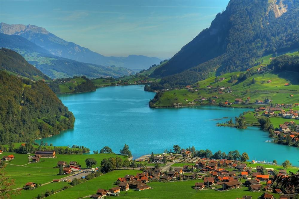 Những cảnh đẹp tại Thuỵ Sĩ xuất hiện trong Hạ cánh nơi anh-3