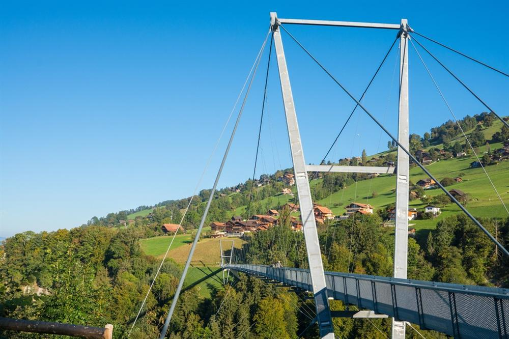 Những cảnh đẹp tại Thuỵ Sĩ xuất hiện trong Hạ cánh nơi anh-5
