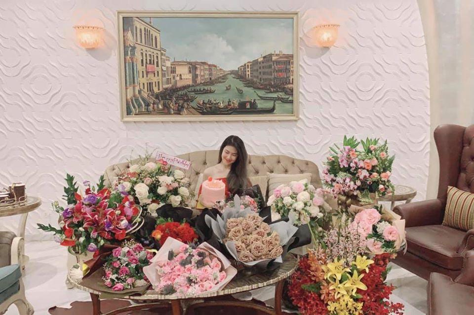 Bạn gái vừa công khai của Song Luân: Chiến thắng Hồ Ngọc Hà, là đại gia ngầm của showbiz Việt-22