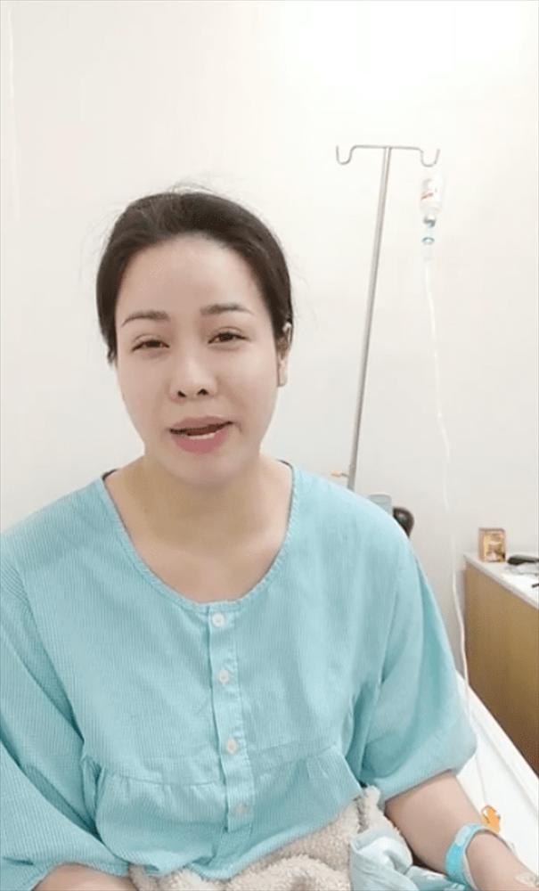 Tiều tụy vì nhập viện cấp cứu, Nhật Kim Anh vẫn gây sốt bởi mặt mộc đẹp không tì vết-1