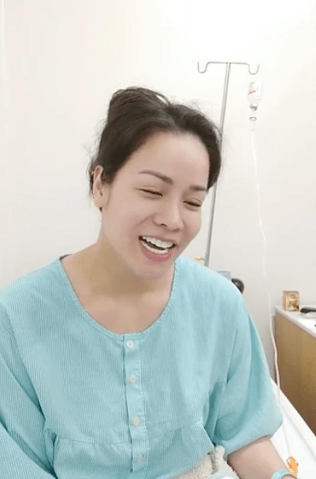 Tiều tụy vì nhập viện cấp cứu, Nhật Kim Anh vẫn gây sốt bởi mặt mộc đẹp không tì vết-2
