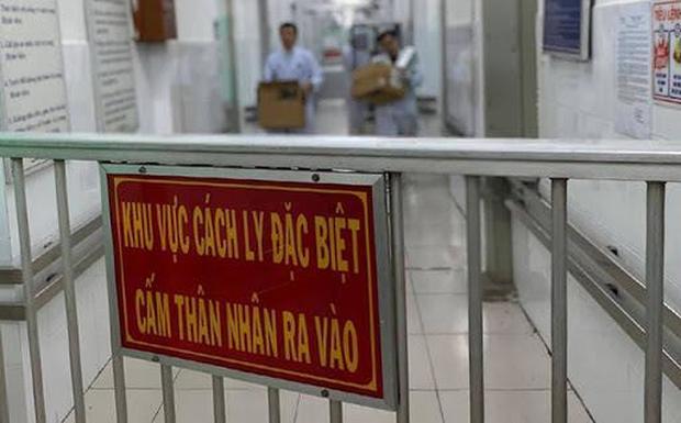 Giám sát, cách ly 2 ca nghi nhiễm Covid-19 tại Hà Nội-1