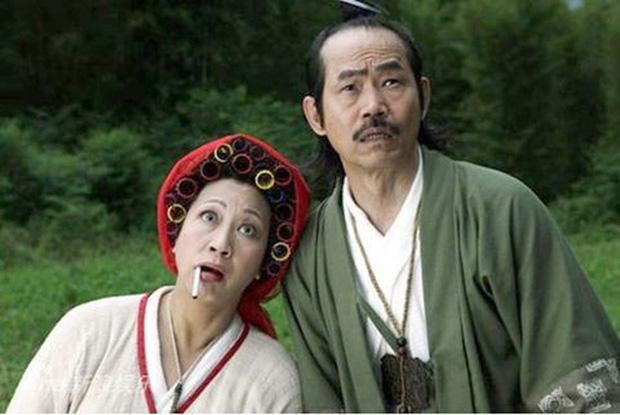 Vai phụ xấu lạ phim Châu Tinh Trì: Cô gái bán hoa răng hô vượt cả vua ăn mày-11