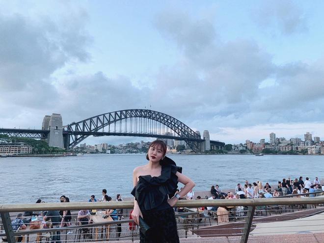 Văn Mai Hương đón Valentine muộn cùng bạn trai tại Australia-3