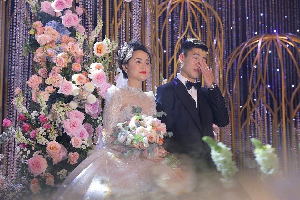 Vợ Duy Mạnh viết tâm thư sau 1 tuần theo chồng, fans lại chỉ chú ý điệu bộ hài hước của Quang Hải-1