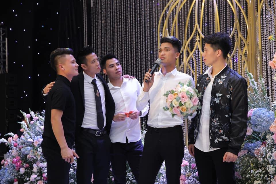 Vợ Duy Mạnh viết tâm thư sau 1 tuần theo chồng, fans lại chỉ chú ý điệu bộ hài hước của Quang Hải-3
