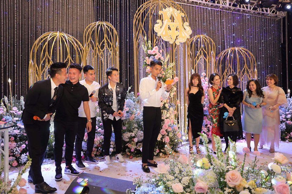 Vợ Duy Mạnh viết tâm thư sau 1 tuần theo chồng, fans lại chỉ chú ý điệu bộ hài hước của Quang Hải-2