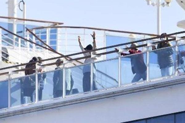 40 công dân Mỹ trên du thuyền Diamond Princess đã nhiễm COVID-19-1