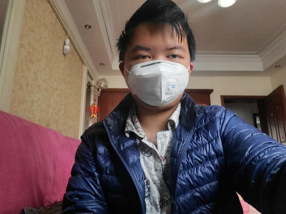 3 tuần chết đi sống lại của chàng trai nhiễm virus corona-1