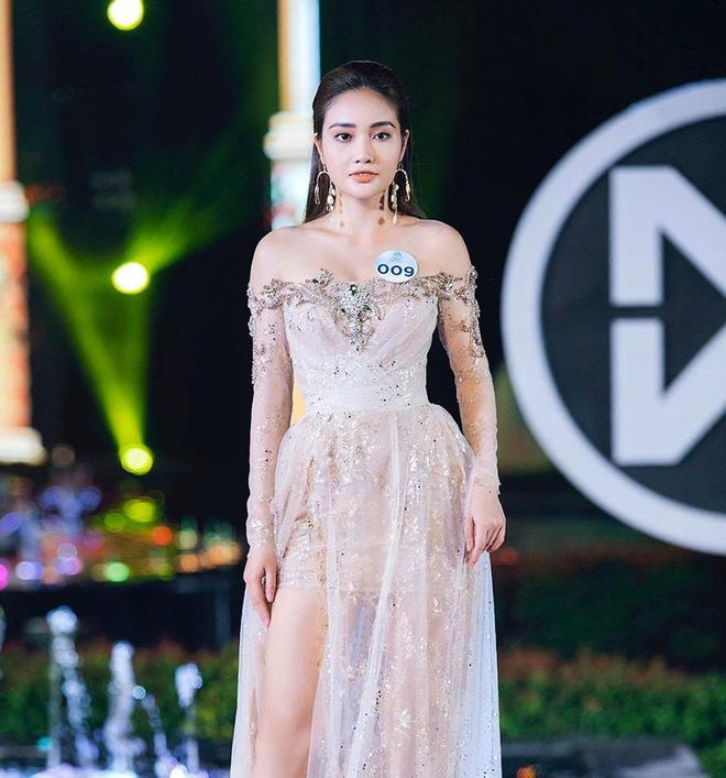 Thủ môn Văn Biểu khoe người yêu xinh miễn bàn, còn từng lọt vào chung kết Miss World Vietnam 2019-3