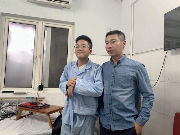 Bố Công Lý trao tài sản quý giá nhất cho con trai Thảo Vân-2