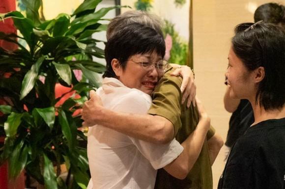 Bố Công Lý trao tài sản quý giá nhất cho con trai Thảo Vân-3