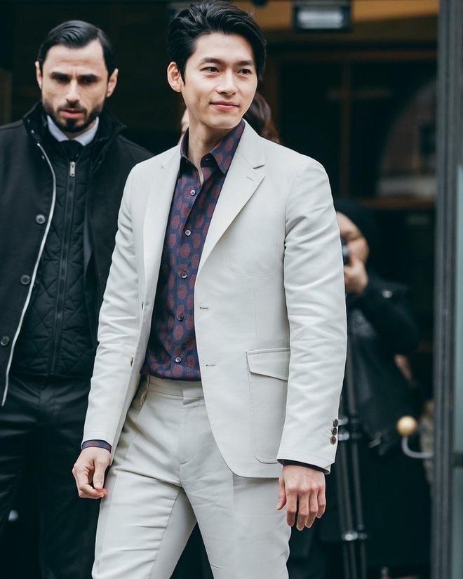 Hễ mặc vest là nam thần Hyun Bin lại đốn triệu con tim-3