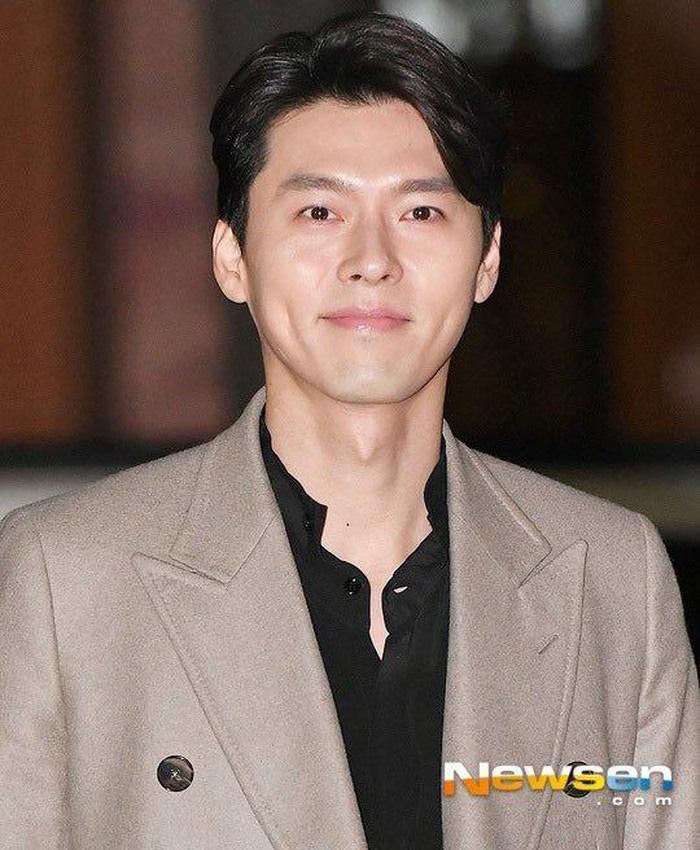 Đẹp trai, cao ráo lại giàu có nhưng ai ngờ Hyun Bin mặc đi mặc lại chiếc áo suốt 9 năm trời-1