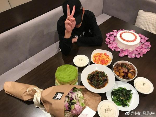 Sao Hoa ngữ trổ tài nấu ăn: Triệu Lệ Dĩnh - Trương Bá Chi siêu đỉnh, Vương Phi khiến ai nấy cạn lời-11