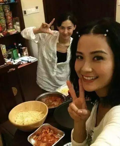 Sao Hoa ngữ trổ tài nấu ăn: Triệu Lệ Dĩnh - Trương Bá Chi siêu đỉnh, Vương Phi khiến ai nấy cạn lời-21