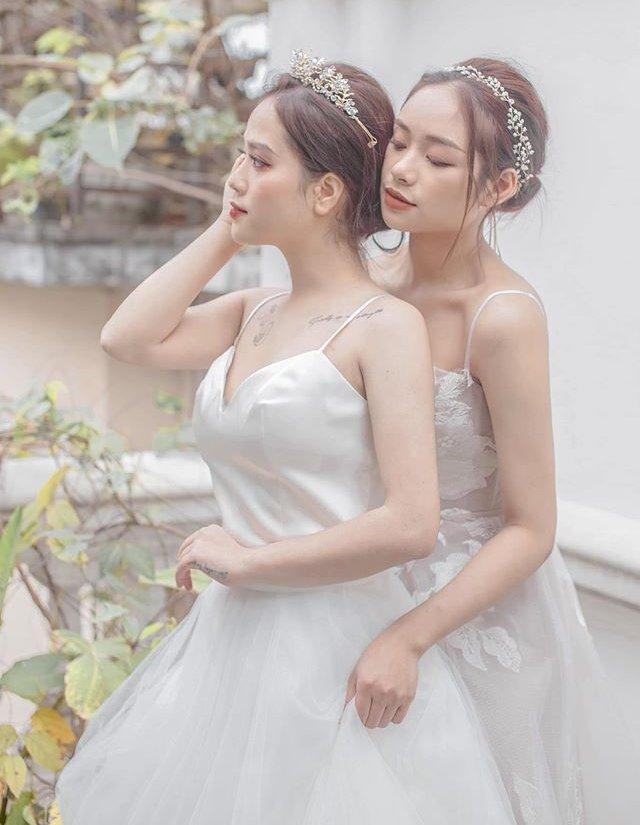 Trọn bộ ảnh cưới của cô chủ tiệm nail và bạn thân được dân tình hết lời khen ngợi-3