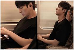 Lee Min Ho khiến fan sốt xình xịch chỉ với 1 khoảnh khắc ngủ gật trên tàu