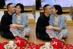 Đón Valentine muộn, MC Hoàng Linh và ông xã chiếm sóng mạng xã hội bằng loạt ảnh cực nóng