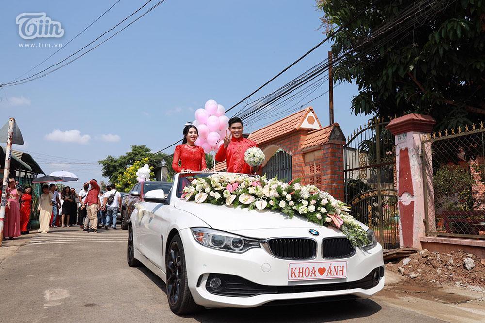Bên trong đám cưới của cặp đôi được chị gái tặng 49 cây vàng: Tổ chức ở quê, ai nấy choáng váng khi thấy quà tặng-8