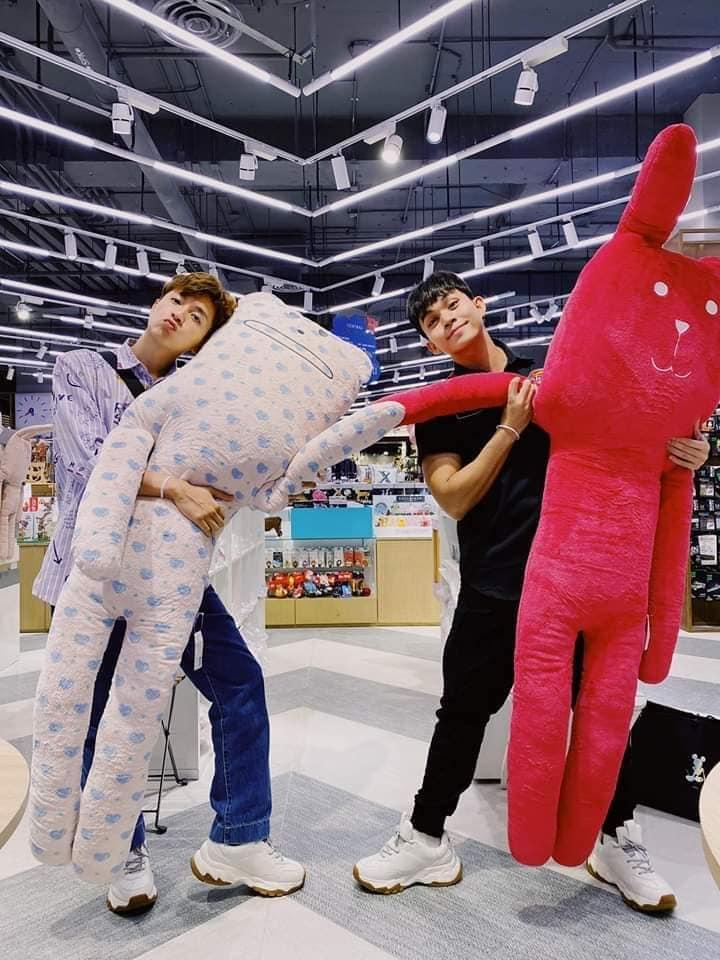 Chăm diện đồ đôi, fans ra sức đẩy thuyền cặp Ngô Kiến Huy - Jun Phạm-1