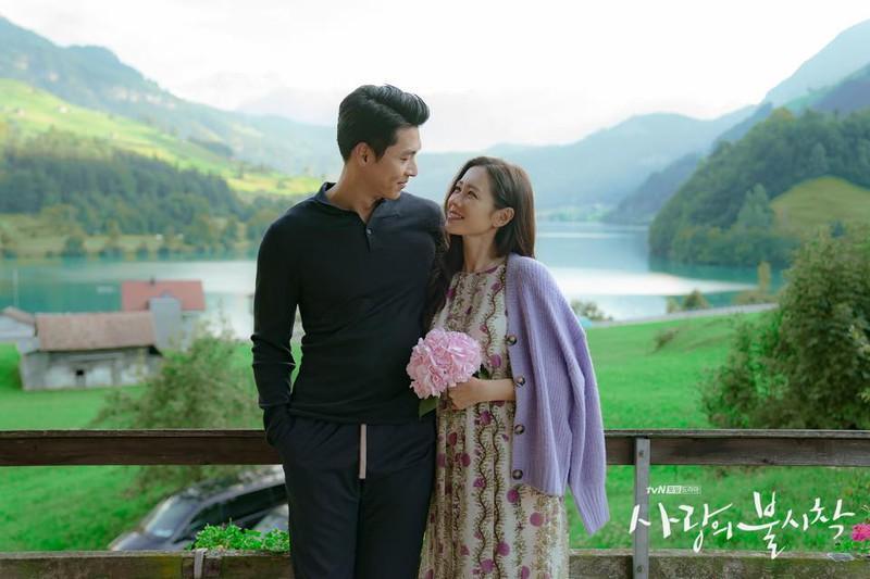 Hyun Bin phủ nhận tin đồn hẹn hò với Son Ye Jin sau Hạ cánh nơi anh-1