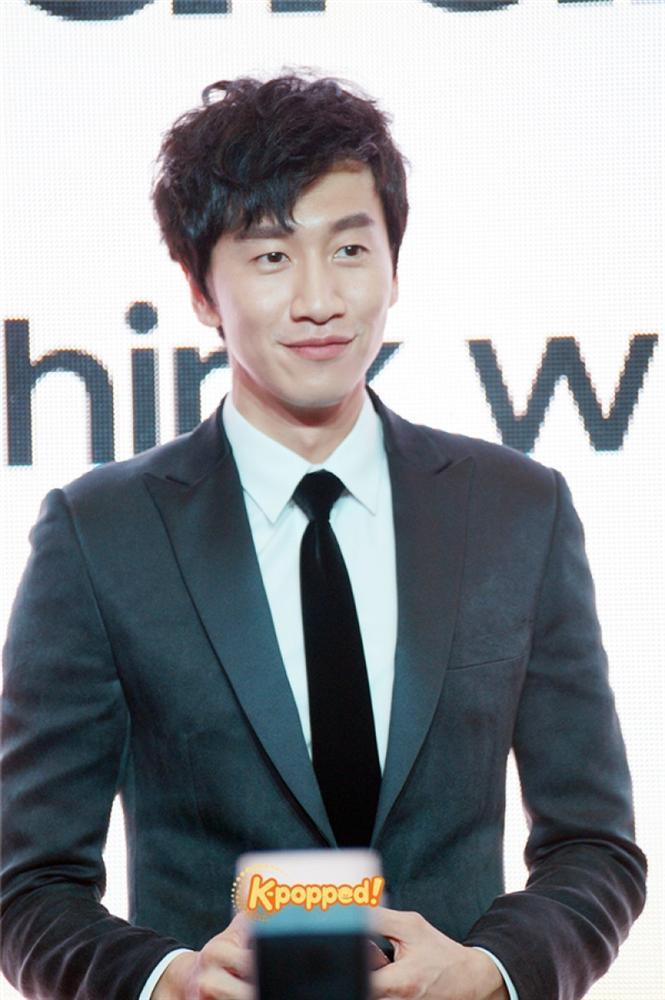 Hoàng tử Châu Á Lee Kwang Soo bị tai nạn xe hơi-2
