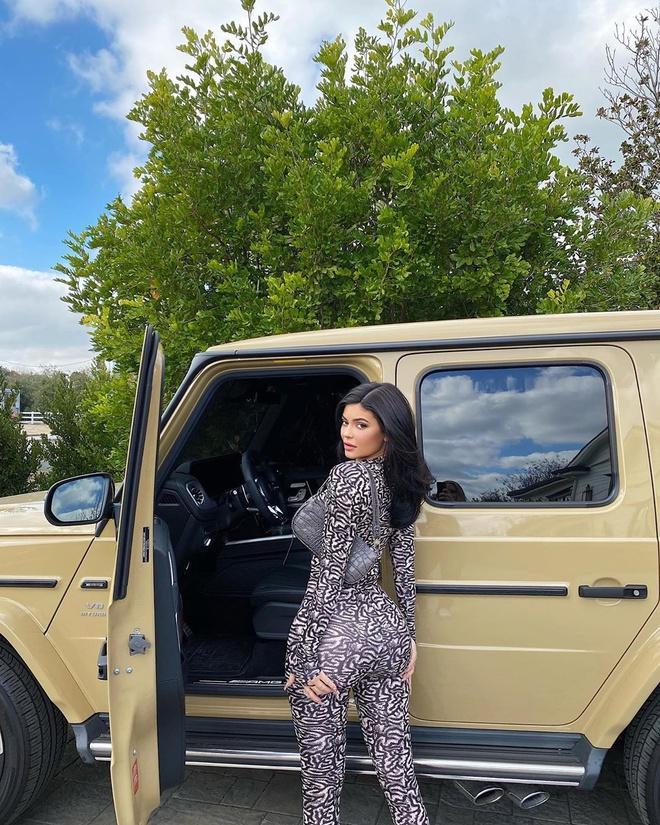 Kylie Jenner khoe 400 chiếc túi xách hàng hiệu-4
