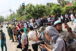 Chụp ảnh, quay clip đám tang Tuấn 'khỉ' để trục lợi: Kiếm tiền từ bi kịch xã hội