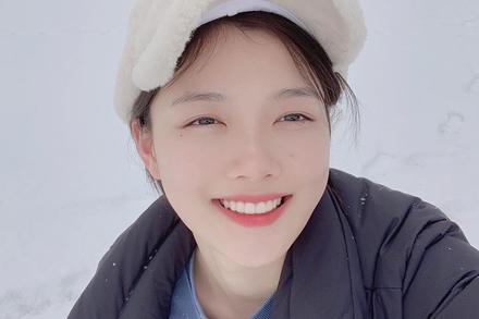 Sao nhí Kim Yoo Jung khoe mặt mộc xuất sắc giữa mùa đông buốt lạnh