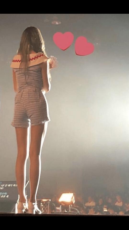 Chiêm ngưỡng đôi chân dài cực phẩm của sao nữ 16 tuổi đình đám xứ Hàn-9