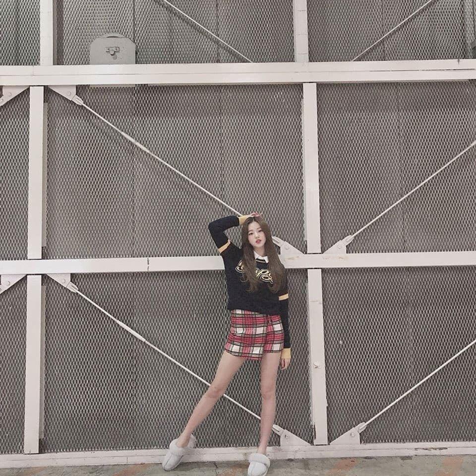 Chiêm ngưỡng đôi chân dài cực phẩm của sao nữ 16 tuổi đình đám xứ Hàn-10