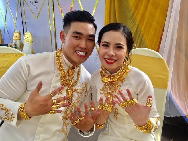 Những cô dâu được tặng hàng trăm cây vàng trong đám cưới-1
