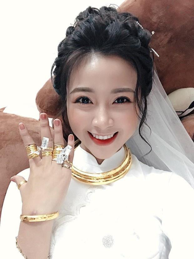 Những cô dâu được tặng hàng trăm cây vàng trong đám cưới-3