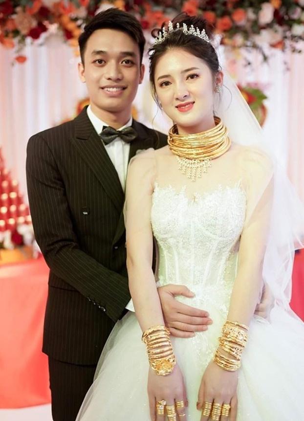Những cô dâu được tặng hàng trăm cây vàng trong đám cưới-7