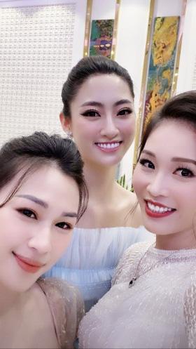 Bà xã Shark Hưng lộ bí quyết dìm đẹp Hoa hậu Lương Thùy Linh, hóa ra là do cùng chồng làm hành động này-4
