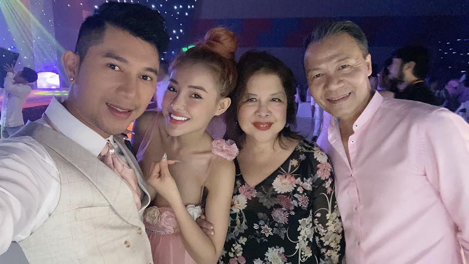 Lương Bằng Quang và Ngân 98 bí mật tổ chức đám cưới?-2