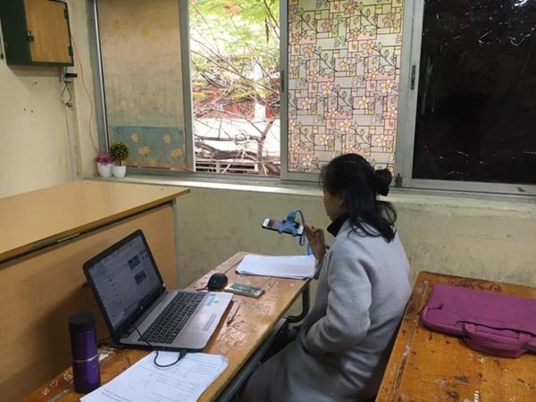Thầy cô Hải Phòng trở thành streamer khi học sinh ở nhà tránh dịch-2
