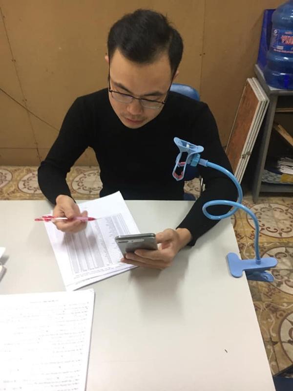 Thầy cô Hải Phòng trở thành streamer khi học sinh ở nhà tránh dịch-5