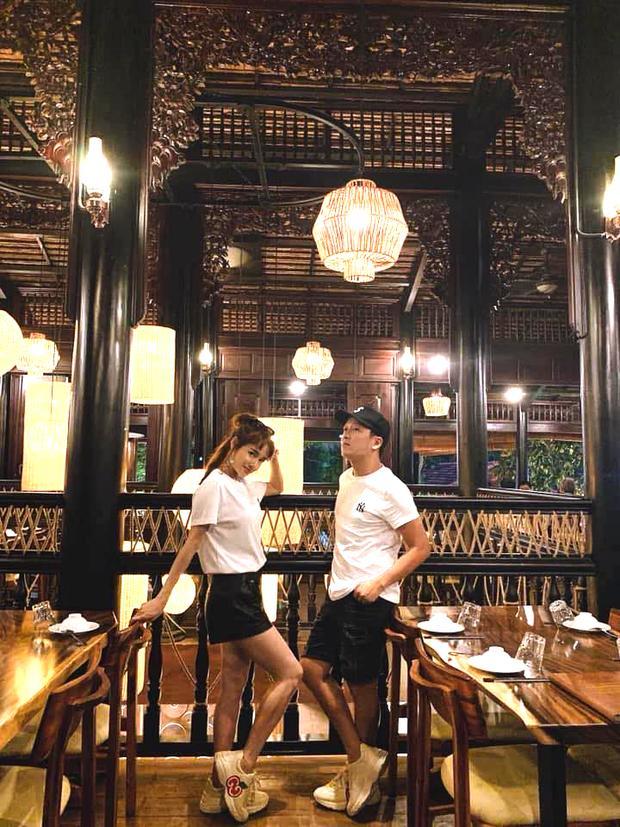 Trường Giang - Nhã Phương đón Valentine: Chồng được khen phong độ, vợ lộ khuyết điểm khó che-1