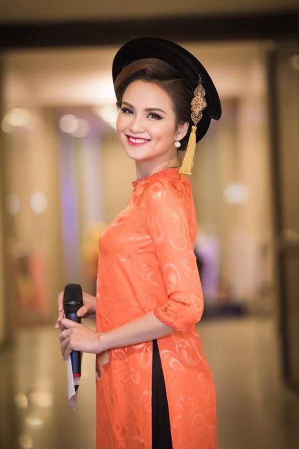 Hoa hậu Diễm Hương lộ sống mũi cao vống như chẳng liên quan gì đến gương mặt-3